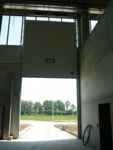 Sezionale verticale aperto
