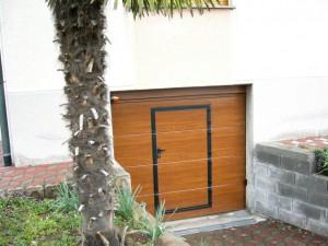 Pannello liscio effetto chiaro con porta